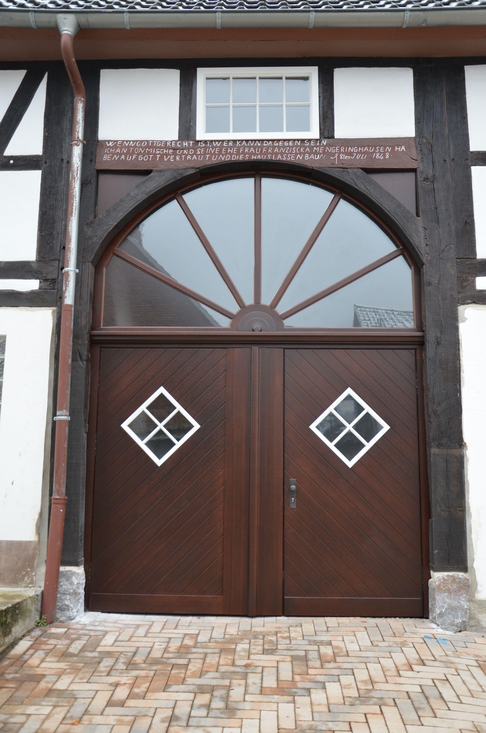 Deelentor und Haustür